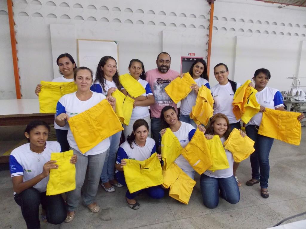 Alunos concluem cursos de Costura Industrial e confecções de bolsas (Foto: Adelino Silva - Ascom/PMC)