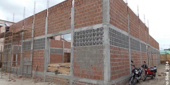 Secretaria de Infraestrutura apronta mais três ruas e dá andamento as demais obras municipais