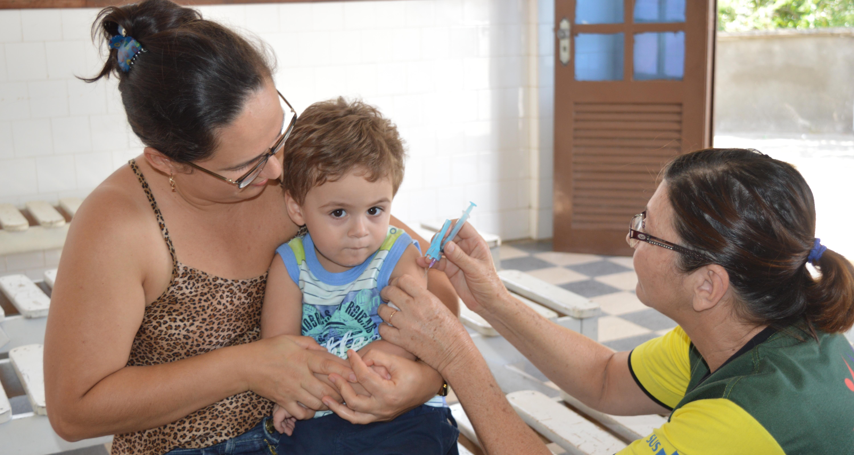 """Dia """"D"""" da vacinação contra a gripe (Foto: Adriano Amaro - Ascom/PMC)"""