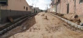 Rua Antônia de Barros da Silva é contemplada com pavimentação
