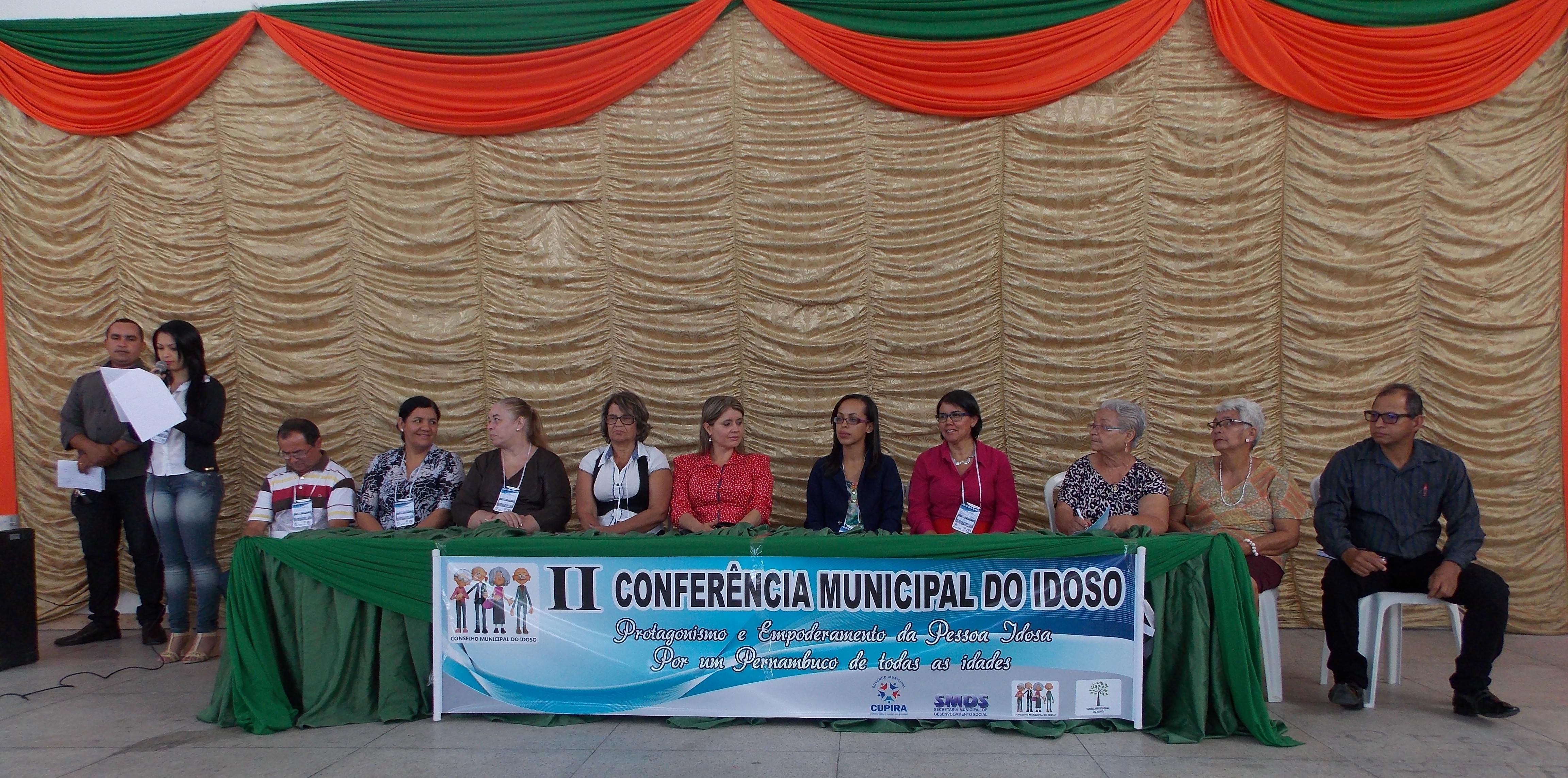 Mesa de representantes do  CCI, convidados e autoridades (Foto:Adelino Silva - Ascom/PMC)