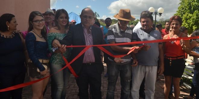 Governo municipal inaugura obras em Imbiruçu e Gravatá-Açu