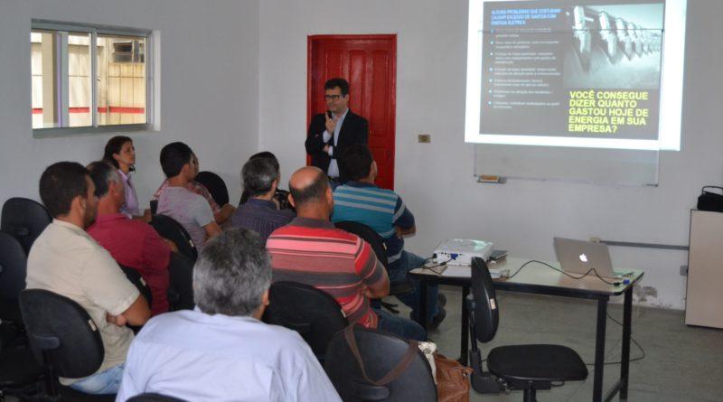 Microempreendedores e empresários participam de palestra sobre Energia Solar