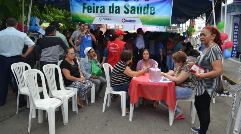 """Projeto """"Feira de Saúde"""" foi realizado nesta quarta-feira"""