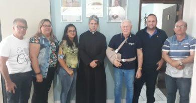 Prefeito José Maria visita novo Pároco da Paróquia São João Batista
