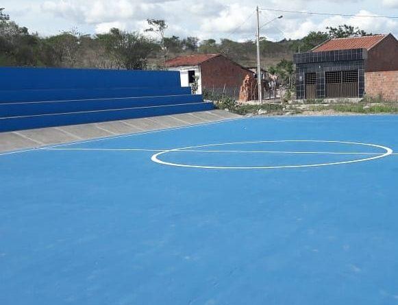 SINFRA reforma quadra poliesportiva do Sítio Alto do Meio