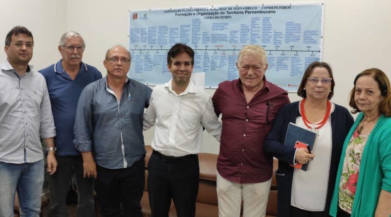 Staff de Cupira se reúne com o Governo Estadual para iniciar projeto do Plano Diretor Municipal
