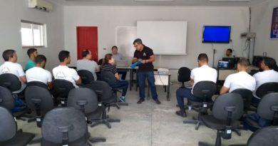 Agentes de trânsito e guardas municipais participam do curso de qualificação profissional