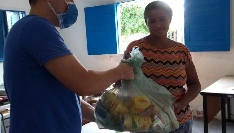 Prefeitura de Cupira realiza terceira entrega do kit merenda escolar