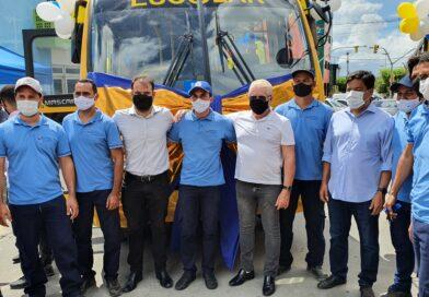 Mendonça e Zé Maria entregam novo ônibus e visitam obra de escola que será retomada em Cupira